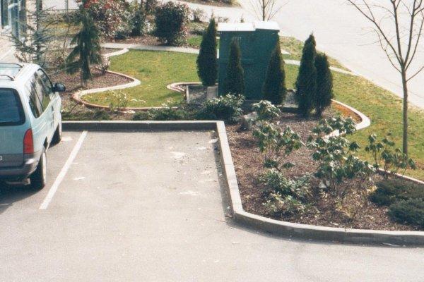 Kwik Kerb Landscape Edging Concrete Carpark Curbing Laid